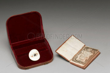 Artificial eye and booklet  Italian  1679.