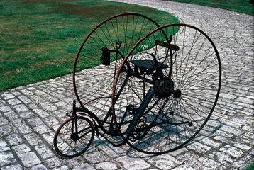 Singer tricycle  c 1888.