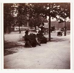 London street scene  c 1900.