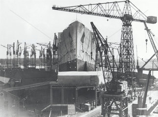 Building work on the 'Queen Mary' liner  25 September 1934.