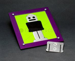 Robot jigsaw puzzle  2000.