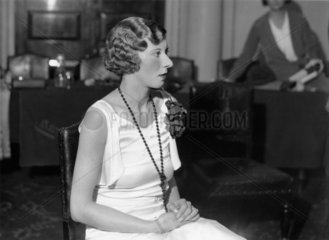 A finished coiffure during hairdressing at Frascati's restaurant  5 November 1931.