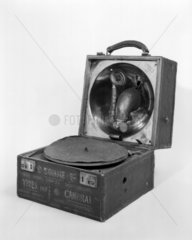 Decca portable gramophone  1914. Made by D