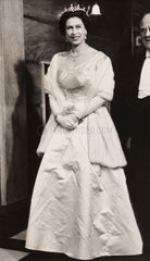Queen Elizabeth arriving at the Royal Variety Performance  1960.