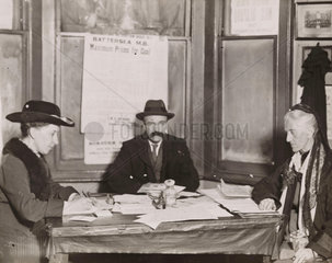 Charlotte Despard planning an election campaign  1918.