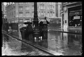 London flower sellers  1932.