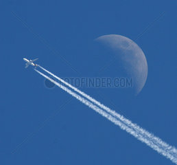 Moon and airliner  2006.