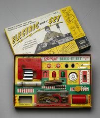 'Electric Build-it Set'  c 1956-1960.