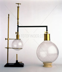 Tyndall's boiling point apparatus  1880.