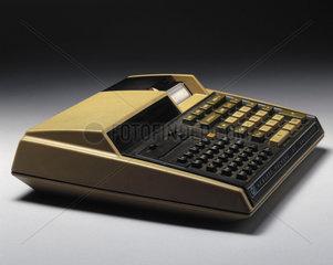Hewlett Packard HP 97 electronic desktop printing calculator  c 1977.