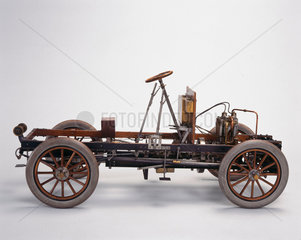 Motor car chassis  1904.