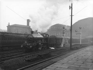 Blue Funnel Special  Paddington Station  London  c 1910.