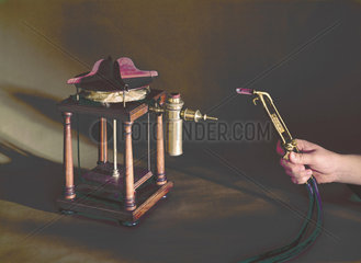 Oxygen blowpipes developed in 1823 and 1888.