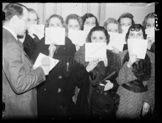 Beautiful eyes competition  1936.