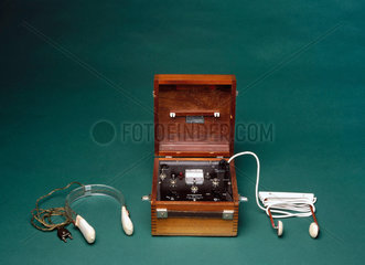 Ectonustim 3 ECT machine with scalp electrodes  English  1958-1965.