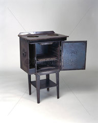 The Belling 'Modernette' electric cooker  1919.