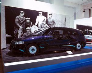 Mercedes-Benz F100 concept car  1999.