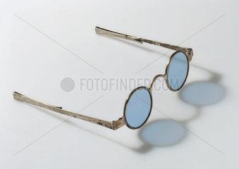 Transverse folding spectacles  1790-1830.