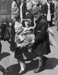 Children leave for a safer place  London  1940.