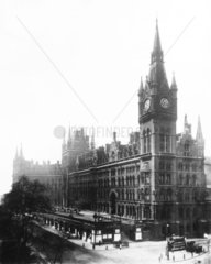 The Midland Grand Hotel and St Pancras station  London  c 1910.