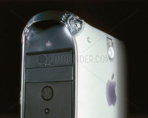 Apple G4 733MHz computer  2001.