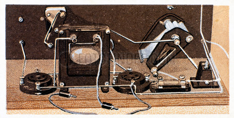 'How to build a two valve set'  No 18  Godfrey Philips cigarette card  1925.