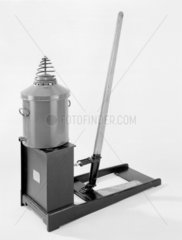 The Little Giant dust extractor c.1910. I