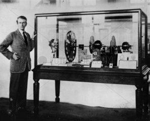 John Logie Baird presenting TV apparatus  Science Museum  1926.