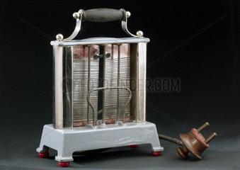 Creda No 726 electric toaster  c 1914-1920.