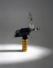'Med-E-Jet' inoculation gun  United States  1980.