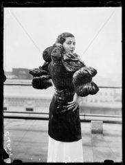 Women's fashions  1933