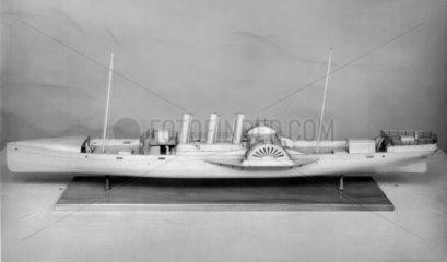 Whole model of Paddle Steamer Evelyn (186