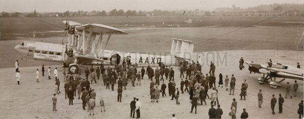 HP42 G-AAXC 'Heracles' receives a warm welcome  London  30 Sept 1932.