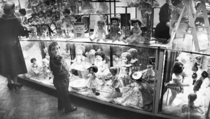Dolls for sale  Christmas 1959.