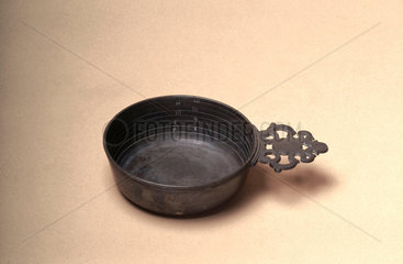 Graduated pewter bleeding bowl  18th or 19th century.
