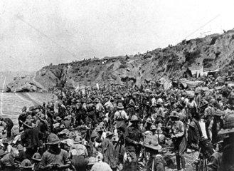 Troops landing on Suvla Bay  Gallipoli peninsula.
