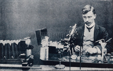 Francis Martin Duncan with the Micro-Bioscope  February 1905.