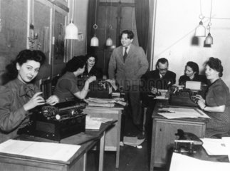 Radio news department  London  4 January 19
