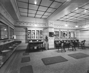 Hairdressing salon at Euston station  London  c 1911.