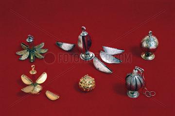 Selection of segmented pomanders.