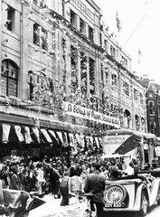 Paper chase  Croydon  World War Two  21 November 1941.