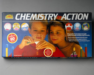 Salter Science 'Chemistry in Action' set  1995.