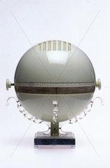 Eau-de-nil Champion 'Venus' four-valve radio  1947.