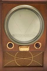 Raytheon M-1601 television receiver  1950.