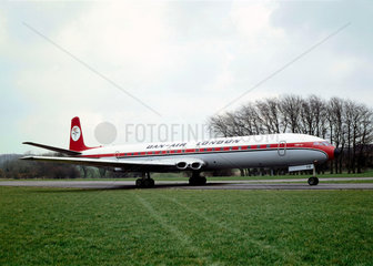 De Havilland Comet 4B airliner  serial no 6438  1960.