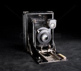Quarter-plate 'Cameo' camera  1915-1920.