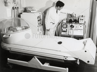 Vickers Hyperbaric Oxygen Bed closed and in operation  10 April 1968.