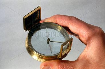 Hand bearing compass  1801-1850.