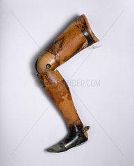 Prosthetic leg  1894.