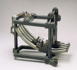 Helmholtz pendulum  1895-1910.